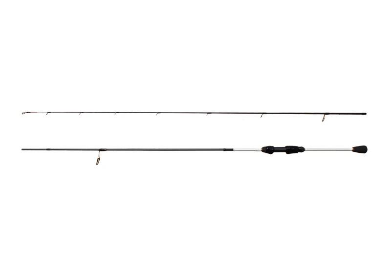 Calypso ultra ligth je prutem stvořeným pro chytání přívlačí s jemnými a lehkými nástrahami. Prut je kompletně postaven na blanku z 30T carbon-u, což je zárukou výborných a rychlých reakcí blanku i na nejjemnější záběry. Když k tomu přidáte extrémně nízkou hmotnost a neuvěřitelnou štíhlost blanku, dostanete prut, který je splněným snem mnoha vláčkařů. Celý prut je navržen minimalisticky a zároveň dokonale nadčasově. Kombinace černé, bílé a zlaté barvy si okamžitě získá každého. Provedení prutu jen podtrhují špičkové očka značky Seaguide. CALYPSO je prutem, který nedáte z ruky!