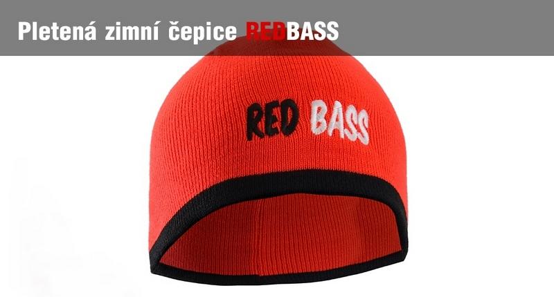 Pohodlná zimní čepice s výšivkou RED BASS.  Materiál: 53 g/m², 100% polyakryl, dvojitá vrstva
